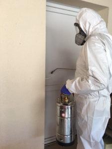 desinfection-covid-entreprise-orleans-loiret-pulverisation-porte